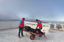 Členové beskydské horské služby v přípravách na zimní turistickou sezonu.