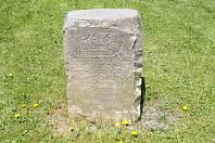 Hraniční kámen.