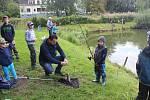 Rybolov pro děti se uskutečnil v Nádražní ulici v Třinci.