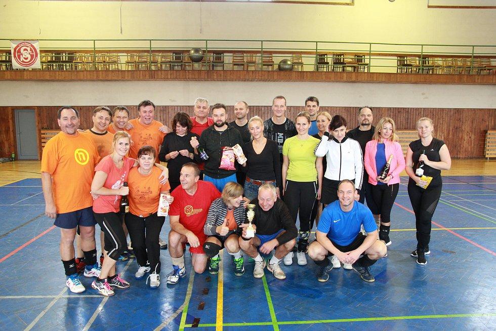 Volejbalový turnaj v Krmelíně se vyvedl.