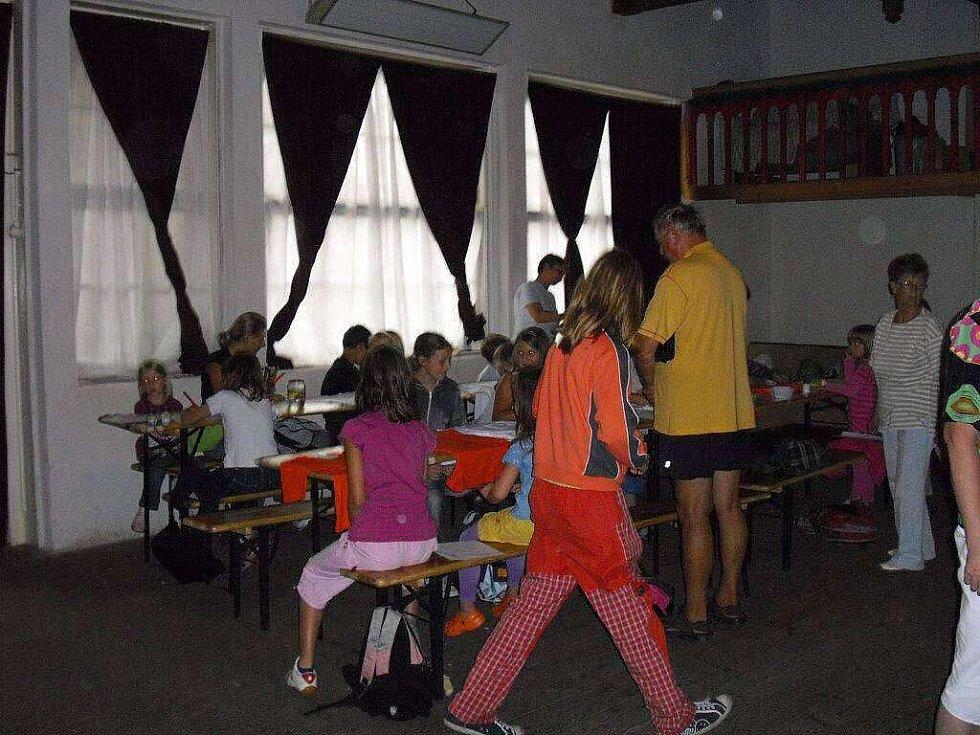 V rámci Prázdnin ve městě děti ve Frýdku-Místku malovaly v Sokolíku.