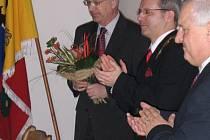 Jiří Drahoš (vlevo) se stal čestným občanem Jablunkova, vedle něj starosta Petr Sagitarius.