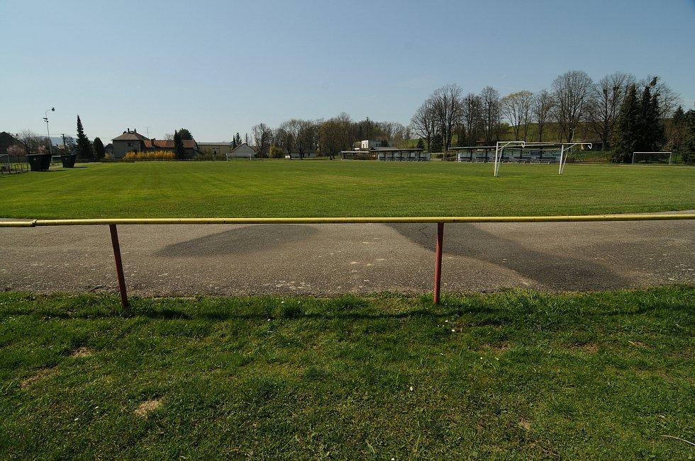 Fotbalové hřiště ve Fryčovicích.