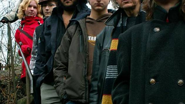 Skupina Humbug vystoupí U Arnošta.