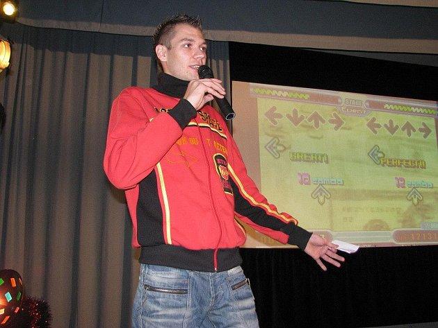 Michal Pos z Frýdku-Místku má celkem neobvyklého koníčka: je moderátorem.