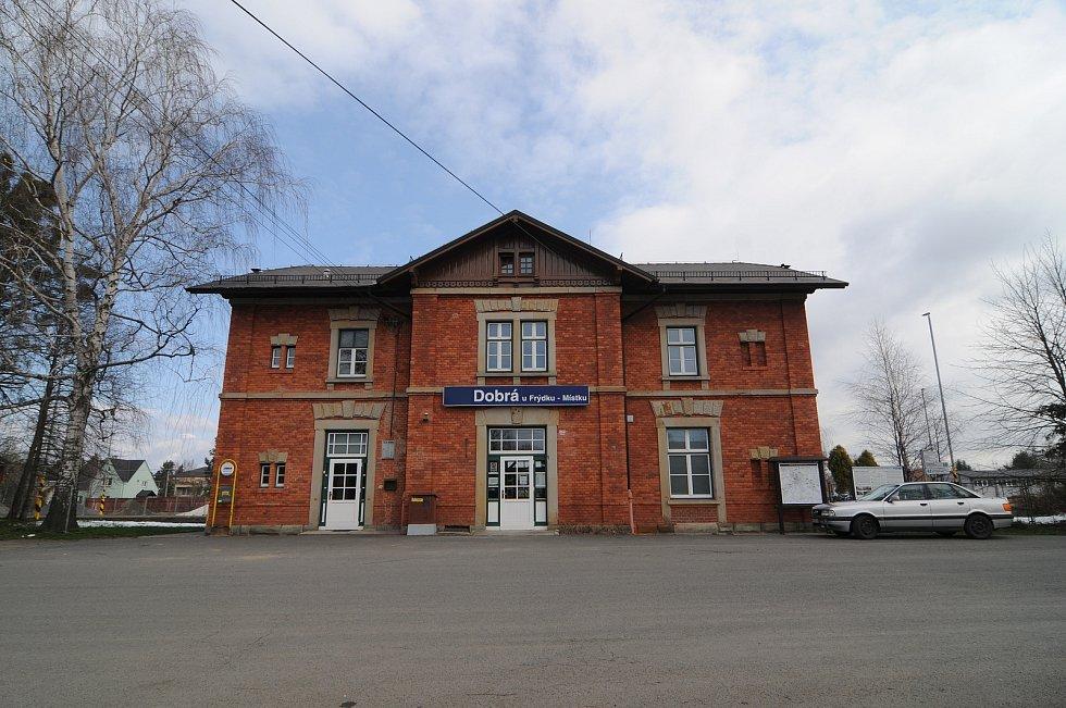 Vlakové nádraží v Dobré.