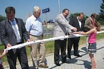 Okružní křižovatka se v pondělí 17. června otevřela v Třanovicích.