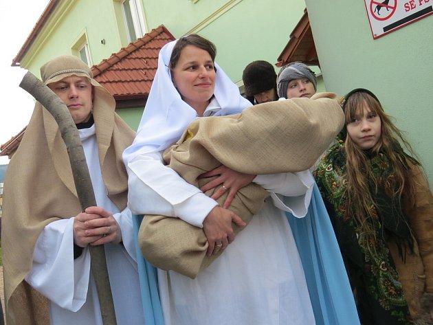 Na náměstí ve Frýdlantu nad Ostravicí ožil biblický příběh o narození Ježíška.