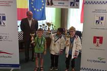 Frýdecko-místecký talent Marek Fizer (s pohárem vlevo) obsadil v kategorii do 8 let krásné třetí místo.