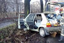 Hasičského záchranného sboru Moravskoslezského kraje ze stanice v Třinci zasahovala v pátek 23. ledna po půl deváté ráno u dopravní nehody osobního automobilu Škoda Favorit na Kaštanové ulici v Třinci.