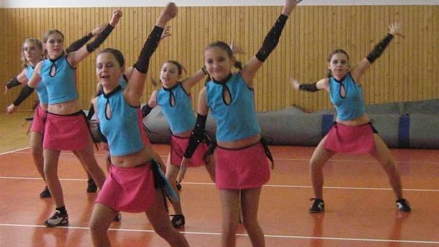 Tanečnice Aktivu v akci
