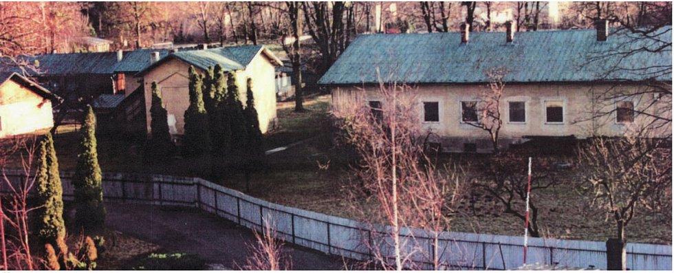 Na místě dnešního náměstí v Čeladné byly dříve vojenské sklady.