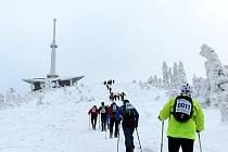 Extrémní závod 24 hodin na Lysou horu.