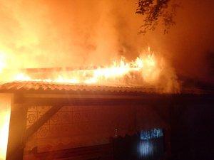 Požár chaty v Metylovicích.