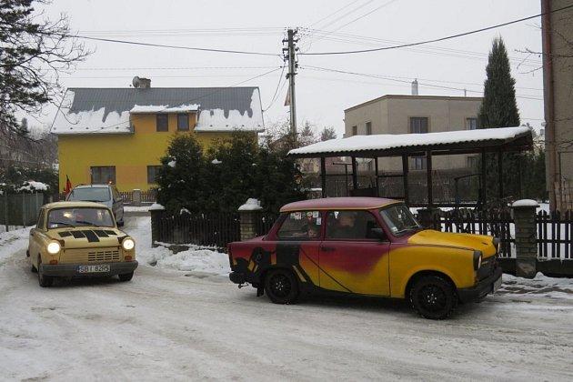 """Zimní veteránský sraz """"Trabanti na sněhu"""" se uskutečnil během víkendu vMorávce."""