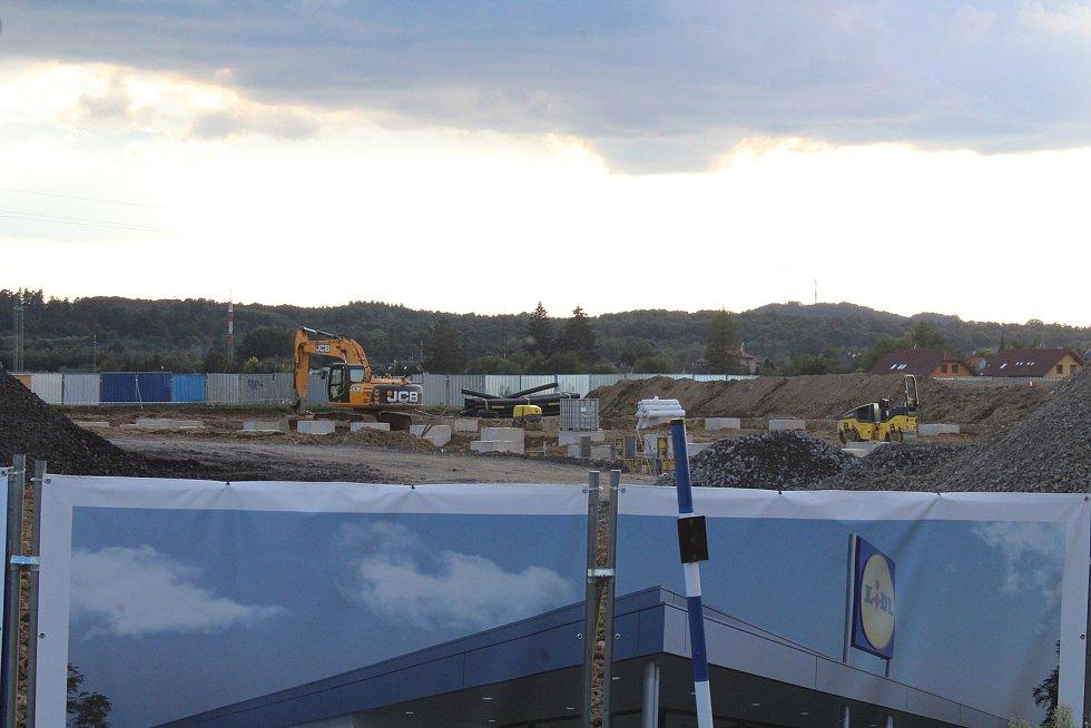 Ve Sviadnově se staví nový Lidl. Foto: