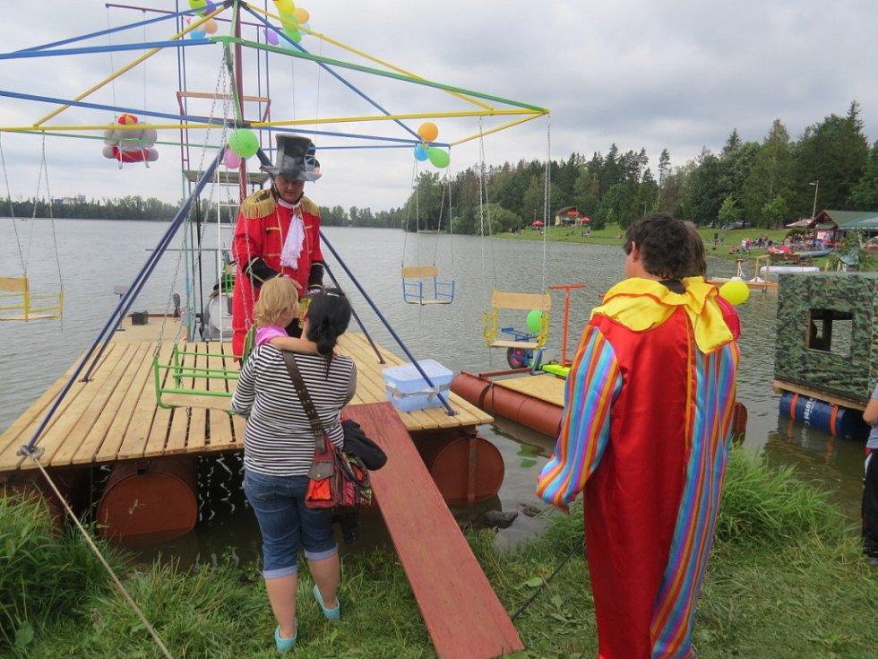 Desátý ročník Baškohrátek byl o víkendu na přehradě v Bašce po všech stránkách rekordní.