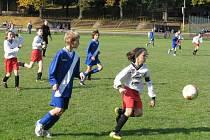 Nejen muži, ale i všechny mládežnické týmy Fotbalu Frýdek-Místek, hrají v tradičních dresech bývalých valcířů (příčný pruh na prsou).