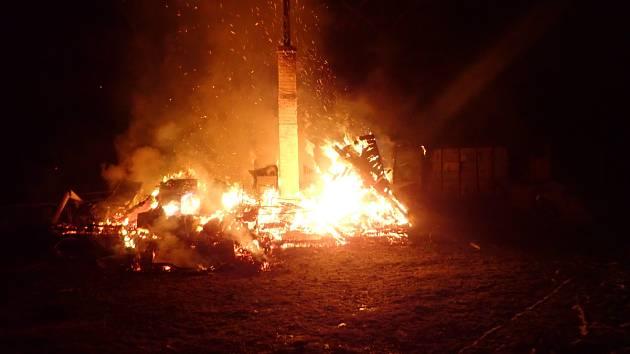 Požár chatky v Kunčicích pod Ondřejníkem.