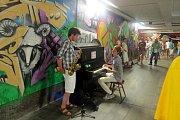 Křížový podchod v Místku změnil svůj ráz díky novým graffiti v roce 2014.