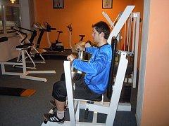 Frýdlantský Adam Šigut zahájil zimní přípravu prozatím v posilovně, kde se pomalu zotavuje ze zranění.