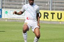Útok frýdecko-místeckých fotbalistů posílil Sheka Sorie Fofanah ze Sierra Leone.