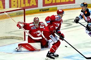 Petr Kváča neodchytal na Spartě špatné utkání. Nakonec byl však u rozhodující trefy Rouska.