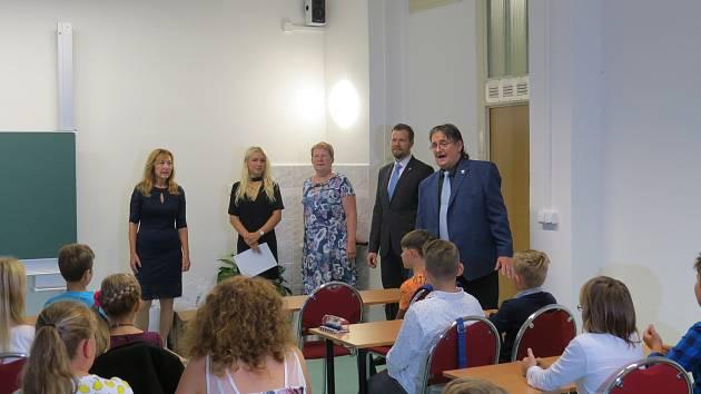 První třída osmiletého gymnázia se nově otevřela v Gymnáziu a Střední odborné škole v Cihelní ulici ve Frýdku-Místku.
