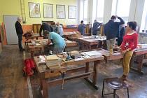 Ve Frýdku-Místku započaly Beskydské řezbářské kurzy.