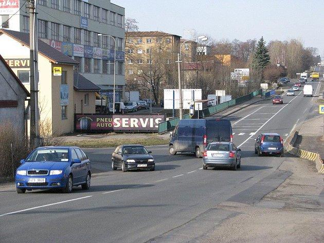 Křižovatka pod restaurací Napoleon v Třinci-Oldřichovicích.