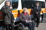 Sportovní klub vozičkářů Frýdek-Místek dostal ve středu nový automobil.