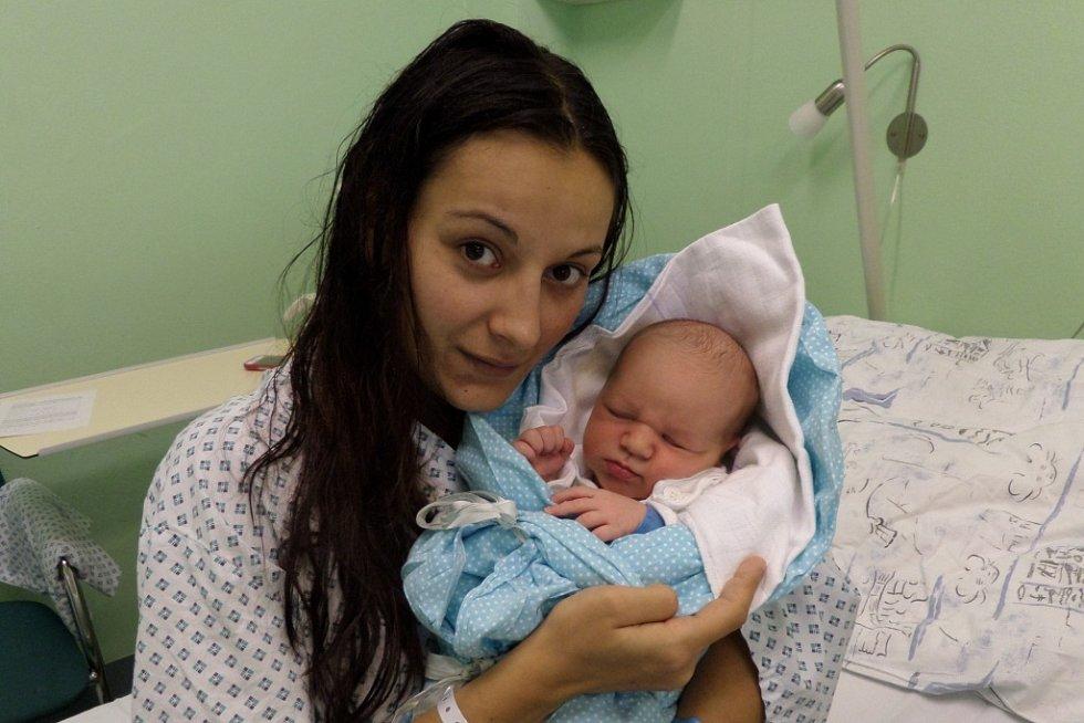 Milan Toráč s maminkou, Třinec, nar. 9.10., 50 cm, 3,42 kg, Nemocnice Třinec.