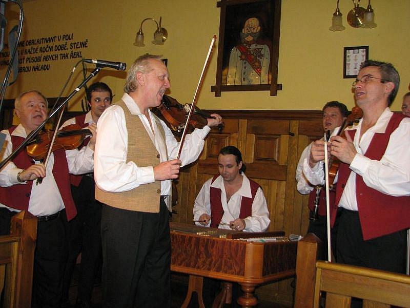 Národní dům ve Frýdku-Místku hostil v sobotu reprezentační ples města.