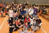 Mladí tanečníci z frýdecko-místecké skupiny Funky Beat.