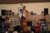 Jazzová formace Alley míří do Arnošta.