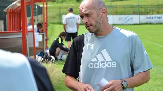 Novým trenérem třineckých fotbalistů se pro letošní druholigovou sezonu stal Martin Zbončák.
