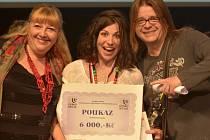 Kateřina Kouláková (uprostřed) při předávání výherních cen.
