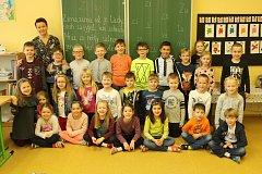 Na snímcích jsou prvňáčci z Jubilejní Masarykovy základní školy v Sedlištích. Třídní učitelkou je Lucie Jakobi.