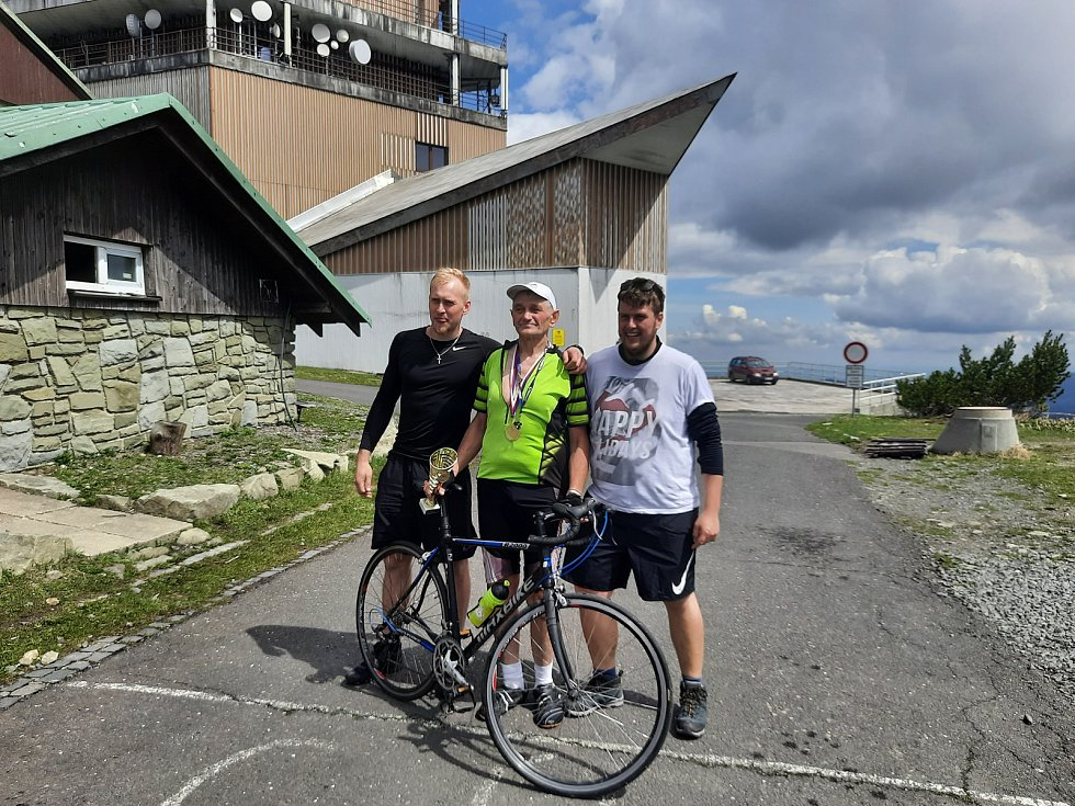 Cyklista Lubomír Vláčil uskutečnil dvoutisící výjezd na Lysou horu v Beskydech.