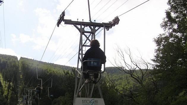 Lanovka na Javorový vrch v Beskydech.