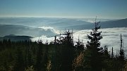 Z Lysé hory se v sobotu naskýtaly zajímavé výhledy do údolí.