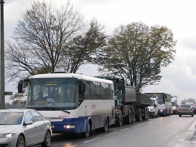 Silnice v Neborech. Ilustrační snímek.