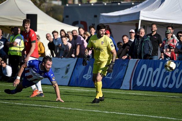 Fotbalový zápas I.Atřídy mezi Lučinou a Albrechticemi se objevil vpřímém televizním přenosu.