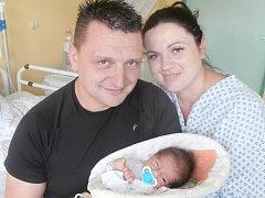 Filip Tvrdý s rodiči, Dobrá, nar. 19. 9., 53 cm, 3,57 kg. Nemocnice ve Frýdku-Místku.