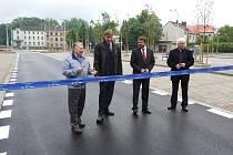 Zrekonstruovaná ulice 8. pěšího pluku v centru Místku byla slavnostně předána do užívání.