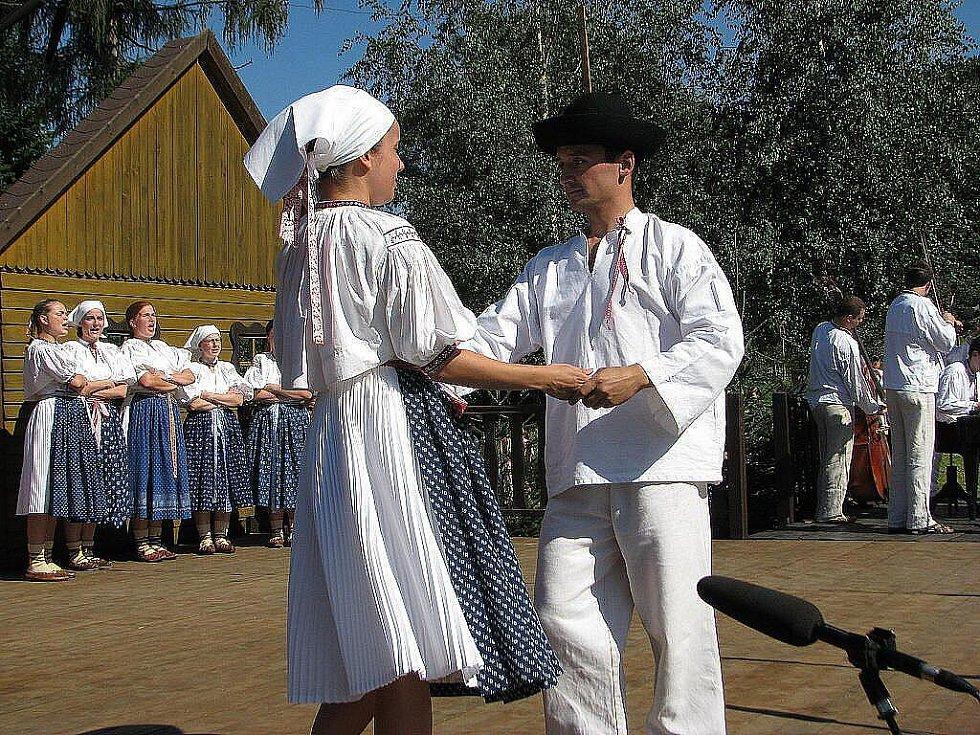 Další ročník Sochových slavností hostila Lhotka.