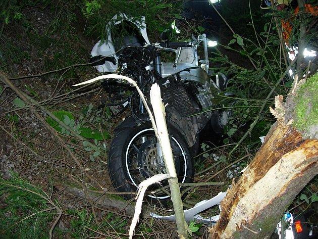 Nehoda motocyklisty ve Starých Hamrech.