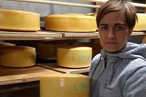 Markéta Menšíková vyrábí sýry na farmě Menšík v Kunčicích pod Ondřejníkem.