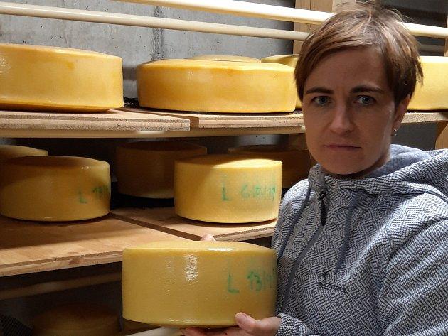 Markéta Menšíková vyrábí sýry na farmě Menšík vKunčicích pod Ondřejníkem.