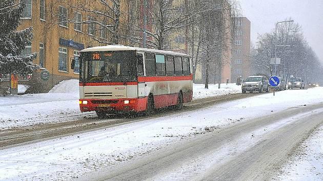 Lidická ulice v centru Třince, únor 2010. Zima nakonec stála přes dvanáct milionů korun.